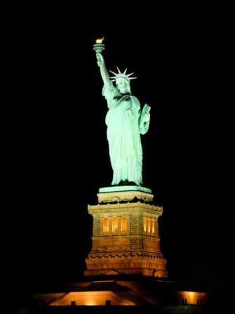 Crucero con cena en Nueva York - Estatua de la Libertad