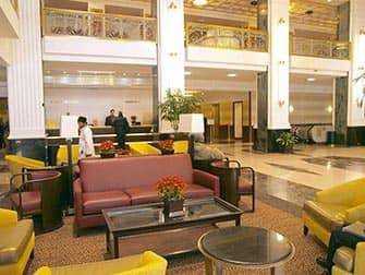 New Yorker Hotel - recepción