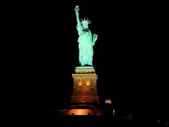 Crucero con cena bufé en Nueva York - Estatua de la Libertad
