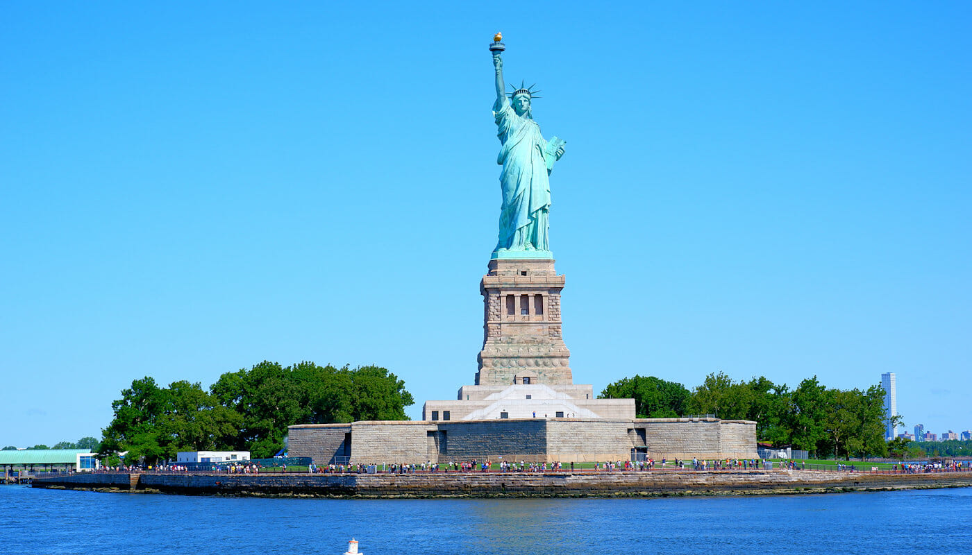 Crucero en un un velero clásico Schooner en Nueva York - Estatua de la Libertad