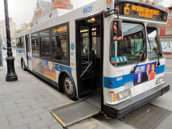 Instalaciones para discapacitados en Nueva York - Bus