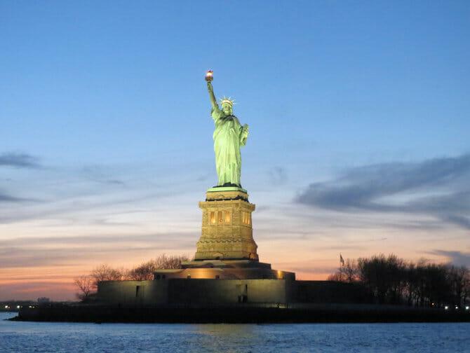 Twilight Boat Tour en Nueva York - Estatua de la Libertad