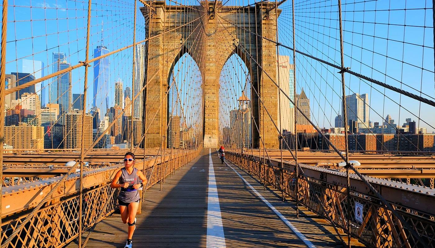 Brooklyn Bridge en Nueva York - Corriendo