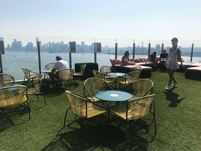 Bares gay en Nueva York - Terraza de Le Bain