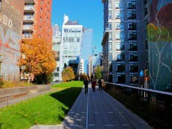 High Line Park en Nueva York - Rodeado de edificios
