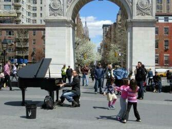 Parques en Nueva York - Musica en directo en Washington Square Park