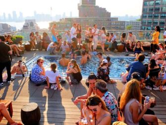 Los mejores rooftop bars en Nueva York - Piscina