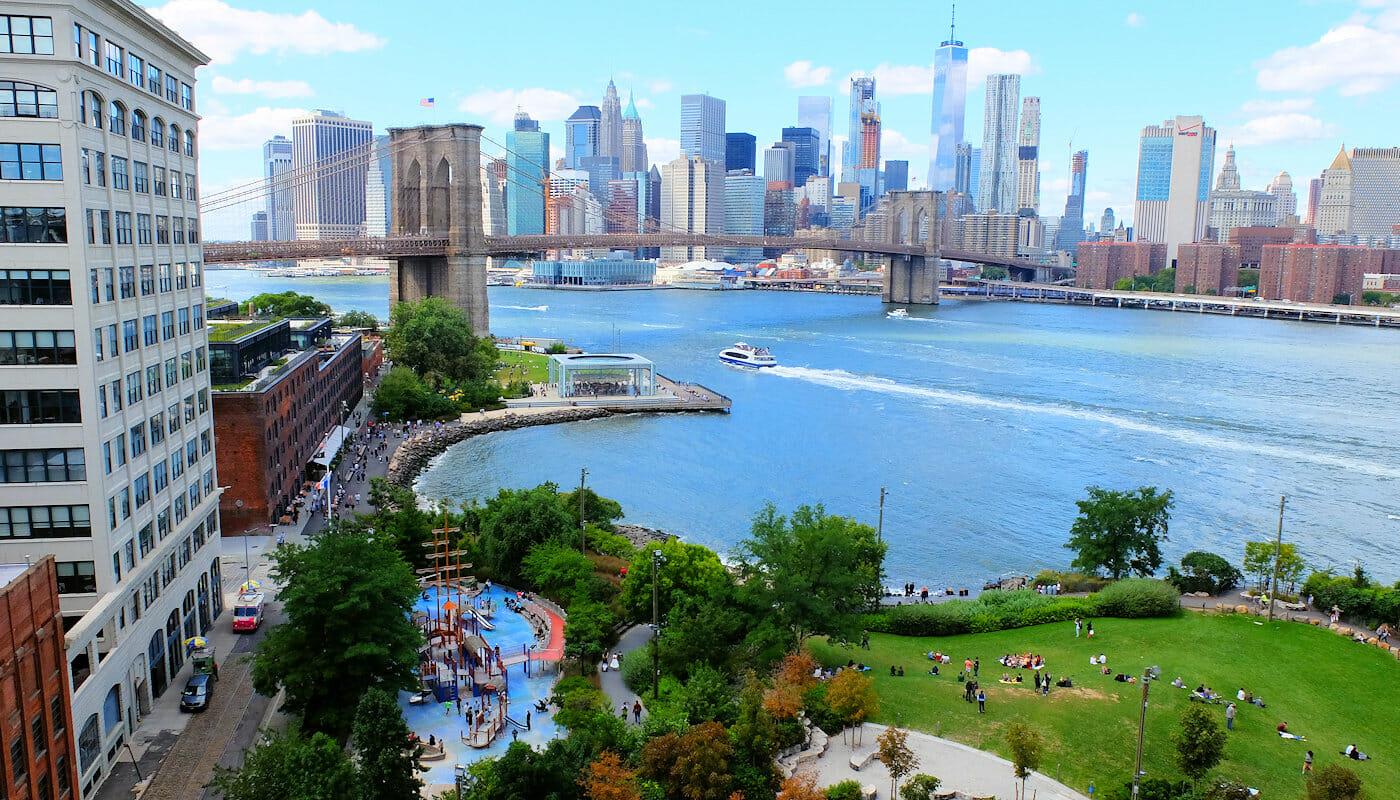 Parques infantiles en Nueva York - Main Street Playground