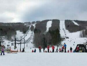 Esquiar o hacer snowboard en Nueva York