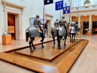 Metropolitan Museum of Art en Nueva York - Exposición de armaduras