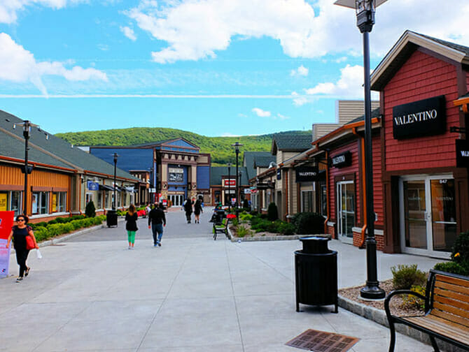 Woodbury Common Premium Outlet Center en Nueva York - Tiendas