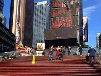 Tour Glee en Nueva York - escaleras en Times Square