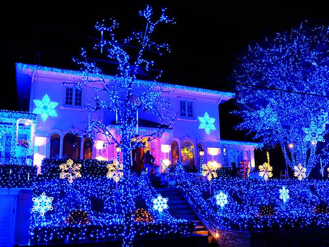 Dyker Heights Christmas Lights - Luces Azules
