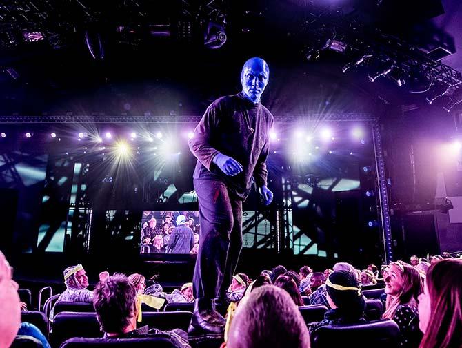 Tickets para Blue Man Group en Nueva York - Blue Man subido a los asientos