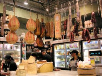 Tour gastronómico por Chinatown y Little Italy - Quesos italianos