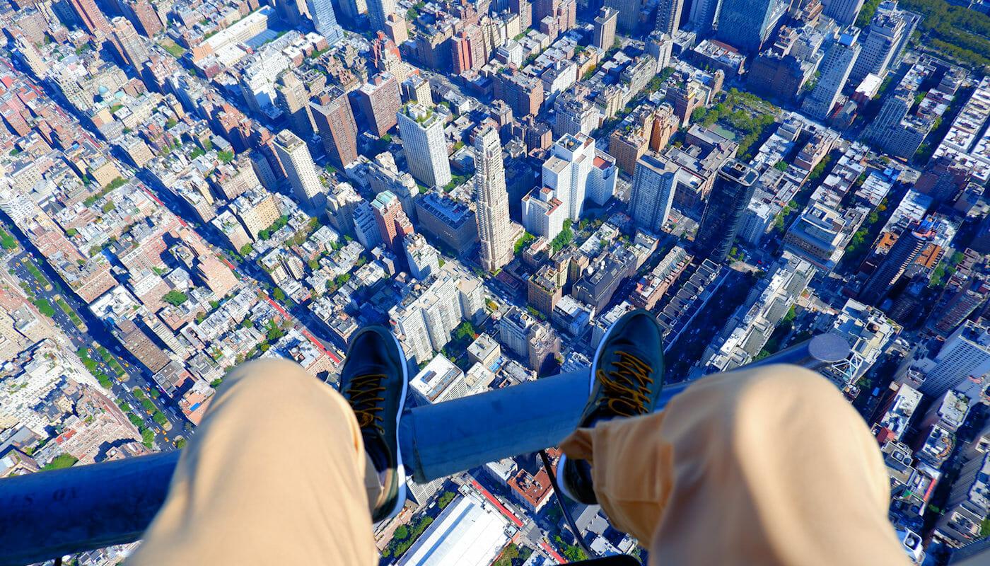 Vuelo en helicóptero sin puertas por Nueva York - Shoe Selfie