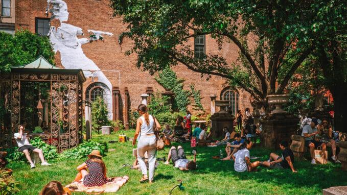 Elizabeth Street Garden – Zoom