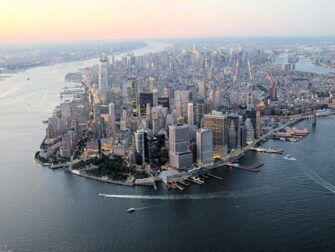 Evening Helicopter Tour and Sightseeing Cruise in New York Manhattan