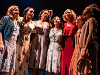 Tickets para The Girl from the North Country en Broadway - Cantando