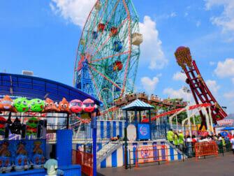 Parque de atracciones Denos Wonder Wheel en Coney Island - Atracciones